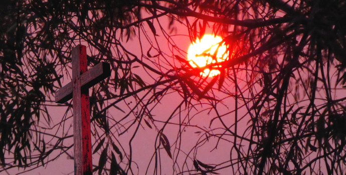 Sun through bushfire smoke